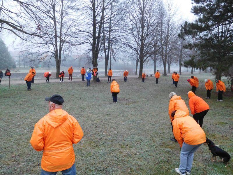 Jutranja telovadba na 7. obletnici skupine Domžale - 88 lip (Foto: Zdenka Katkič)